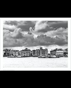 Saint Jean de Luz, le port, noir et blanc